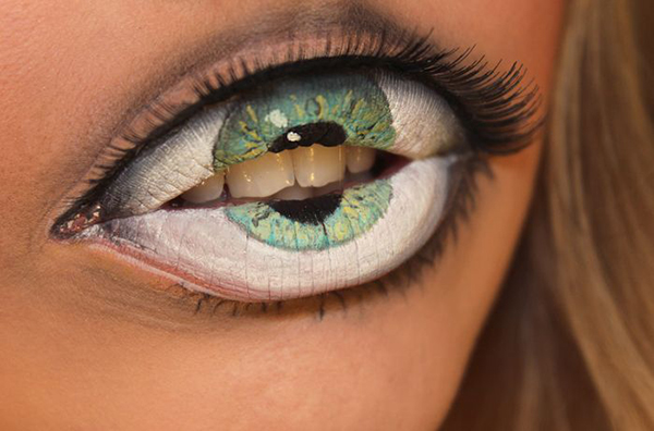 Makeup artist paints realistic third eye on her lips
